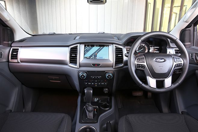 2017 Ford Everest interior