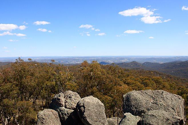 Mole River NSW thunderbolt rocks