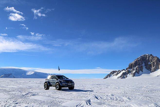 Hyundai Santa Fe antartica crossing