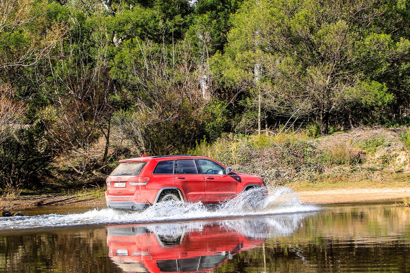 Jeep Grand Cherokee Trailhawk water crossing