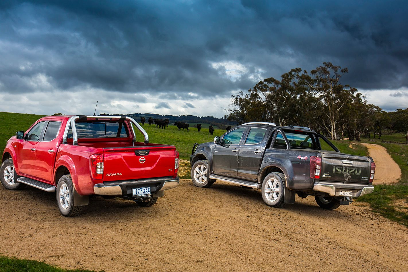 Navara vs D-MAX Side by Side
