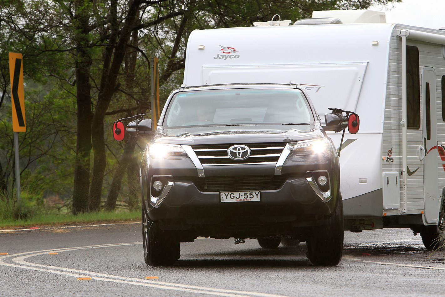 2017 Toyota Fortuner Crusade headlights