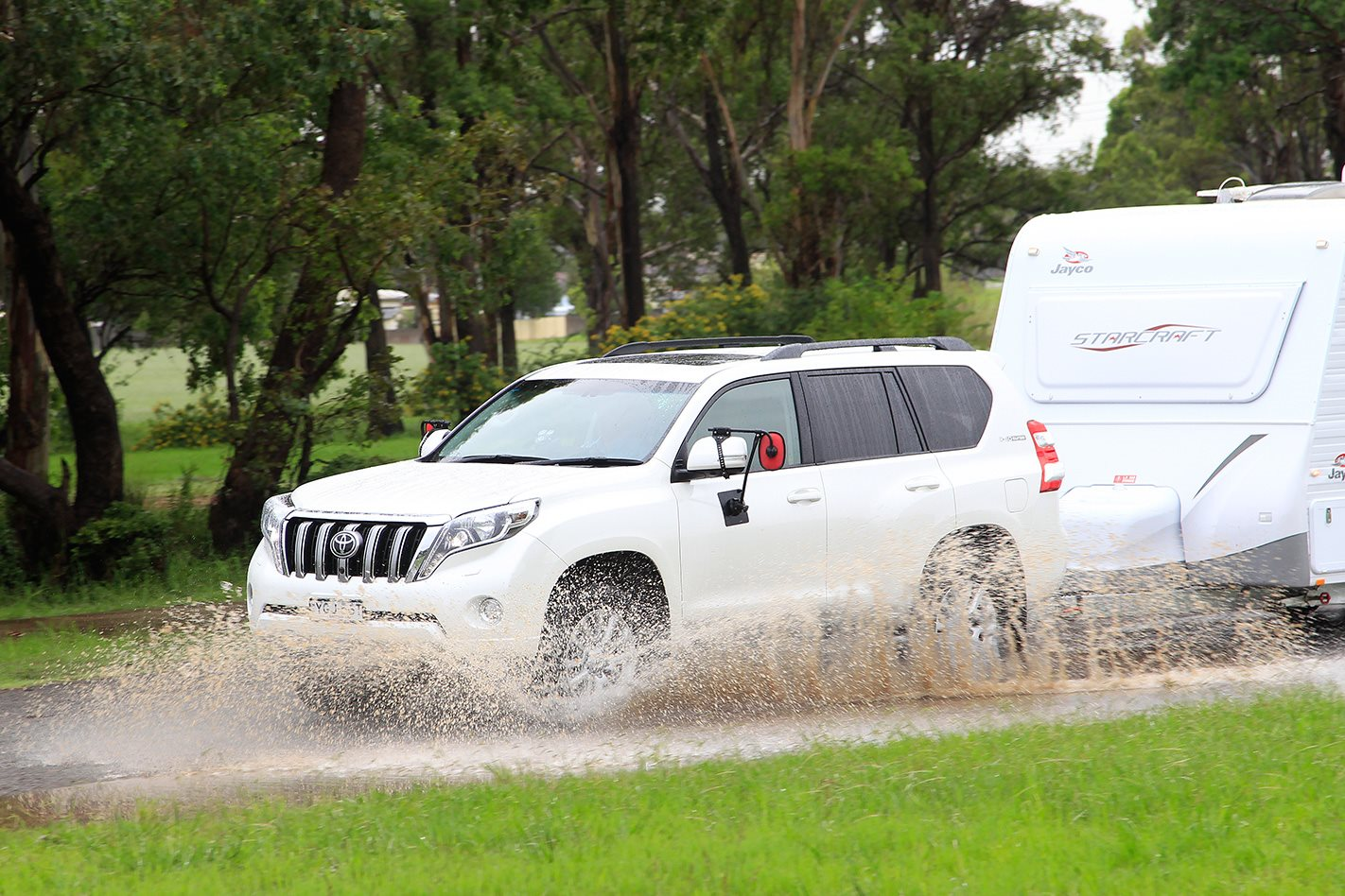 2017 Toyota Prado Kakadu through rain