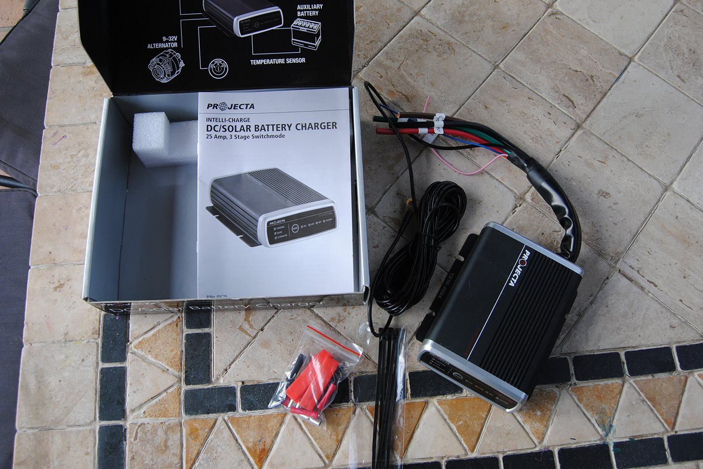 Projecta Intelli-Charge DC kit