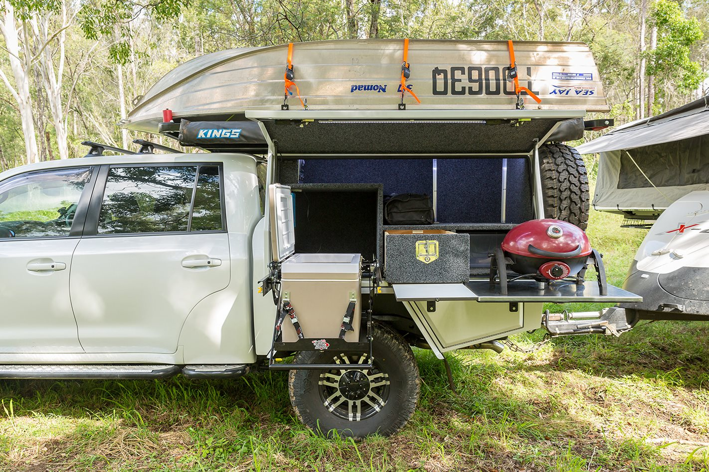 Custom Land Cruiser 200 Series carriage set-up