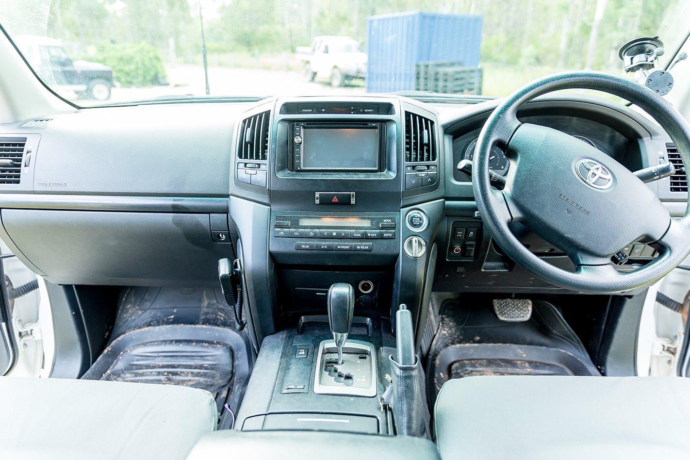 Custom Land Cruiser 200 Series interior