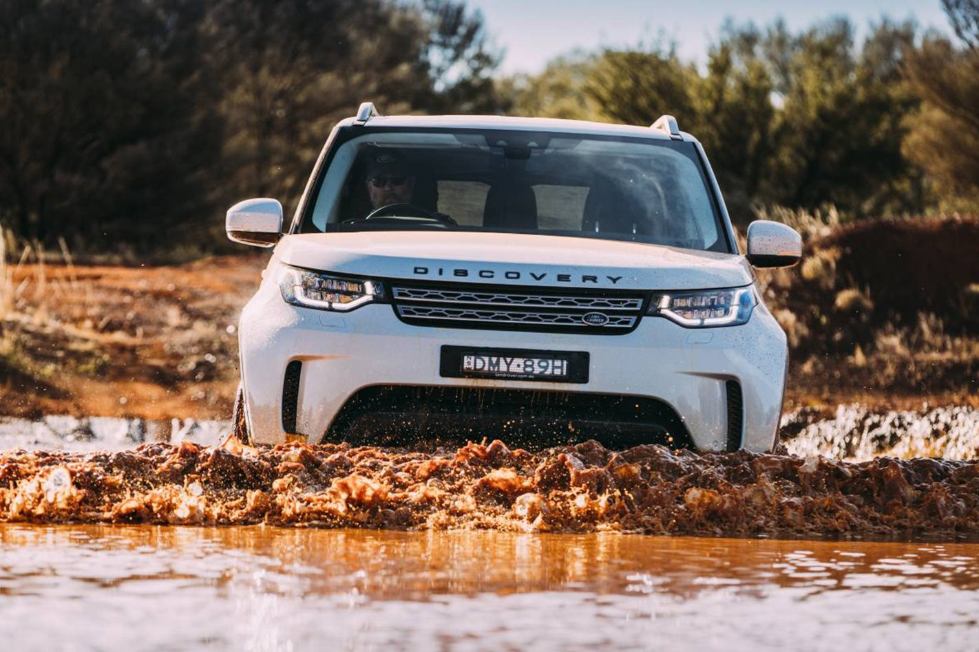 2017 Land Rover Discovery offroad