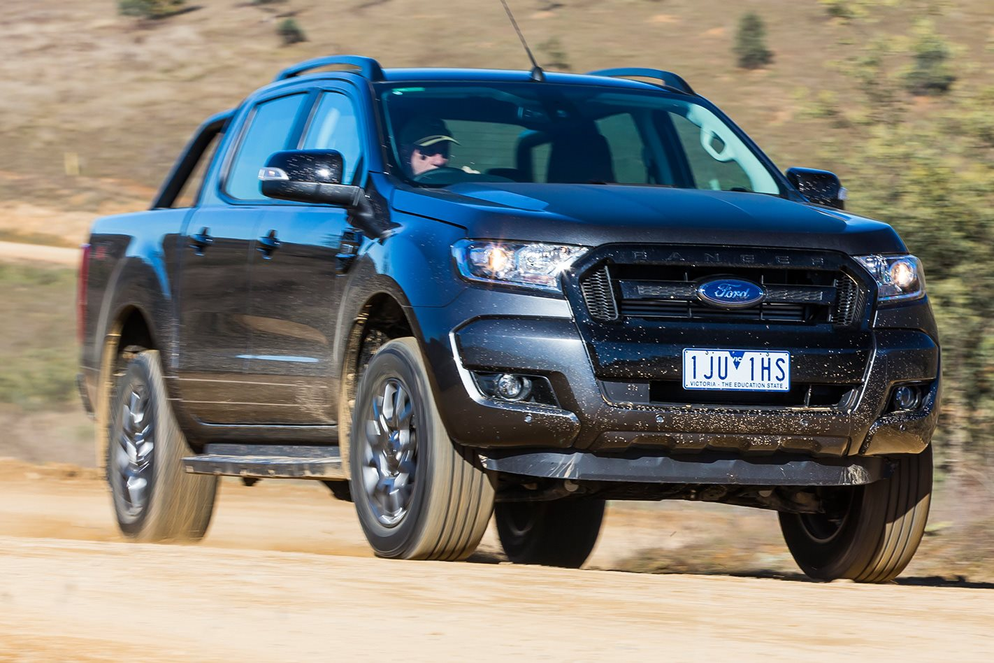 2017 toyota hilux trd vs 2017 ford ranger fx4 comparison. Black Bedroom Furniture Sets. Home Design Ideas