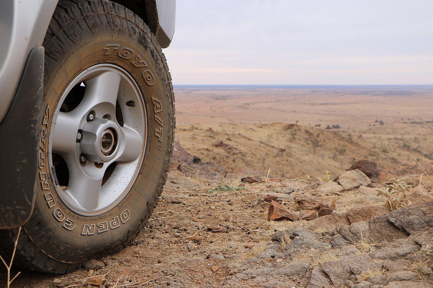 Nissan D22 Navara tyres