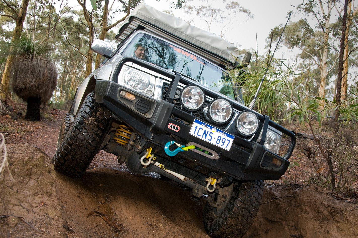 2005-Nissan-Patrol-GU-downhill