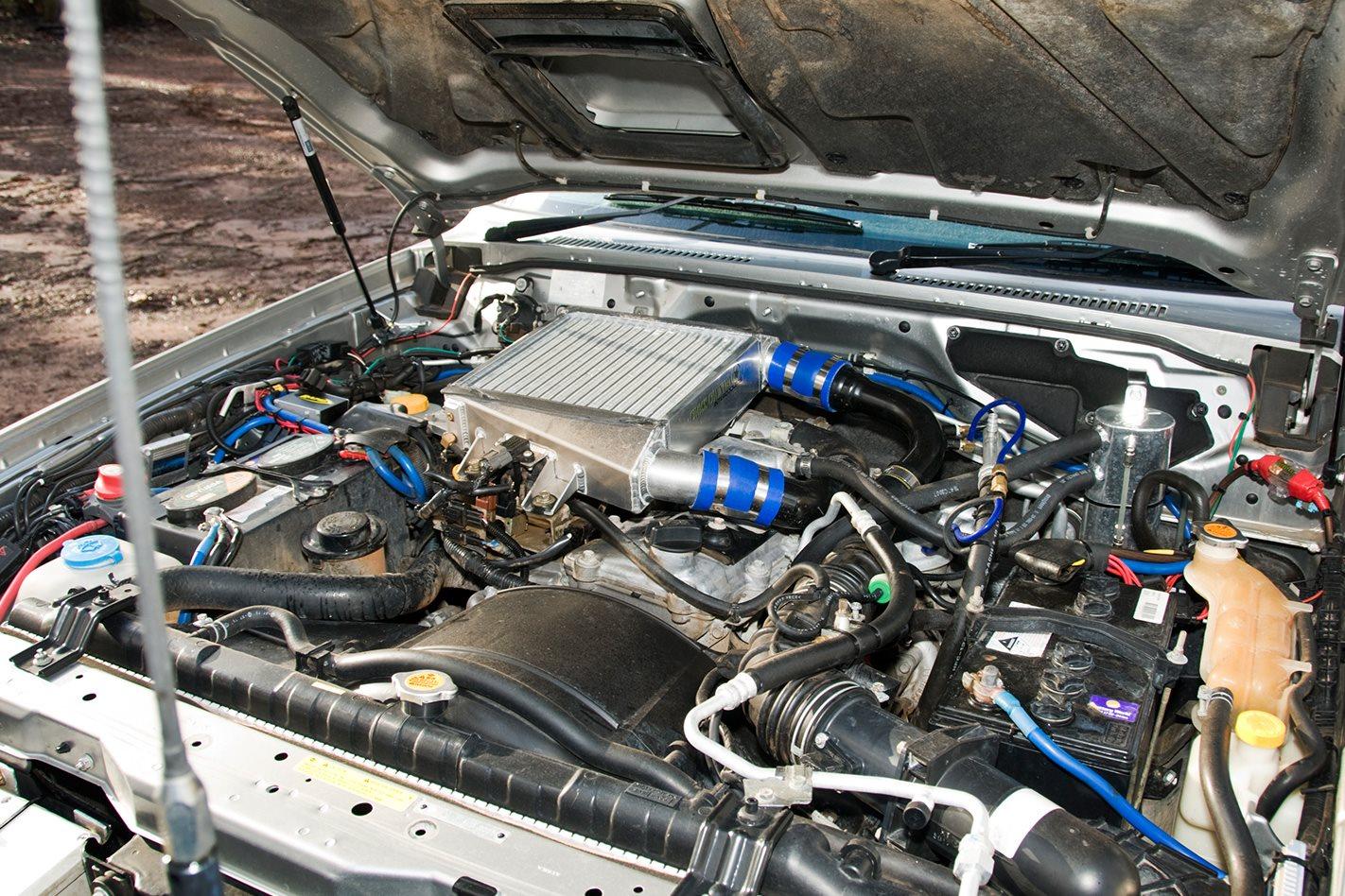 2005-Nissan-Patrol-GU engine