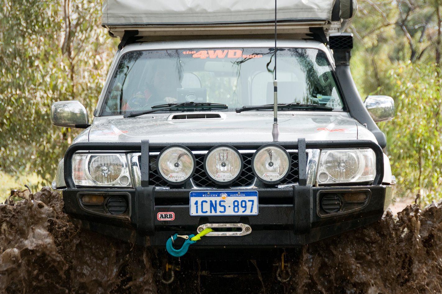 2005-Nissan-Patrol-GU-front-bullbar.jpg