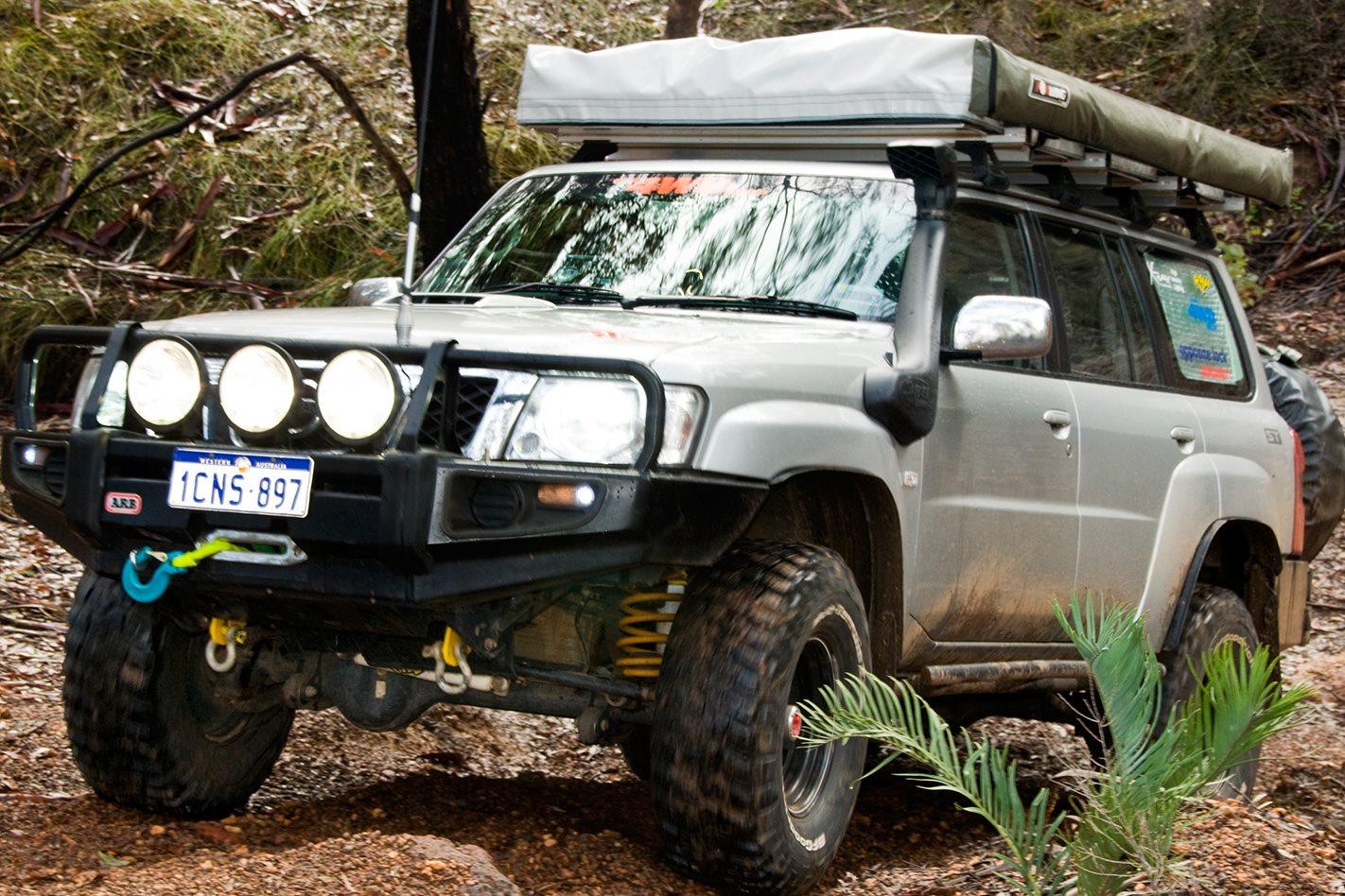 2005-Nissan-Patrol-GU-headlights