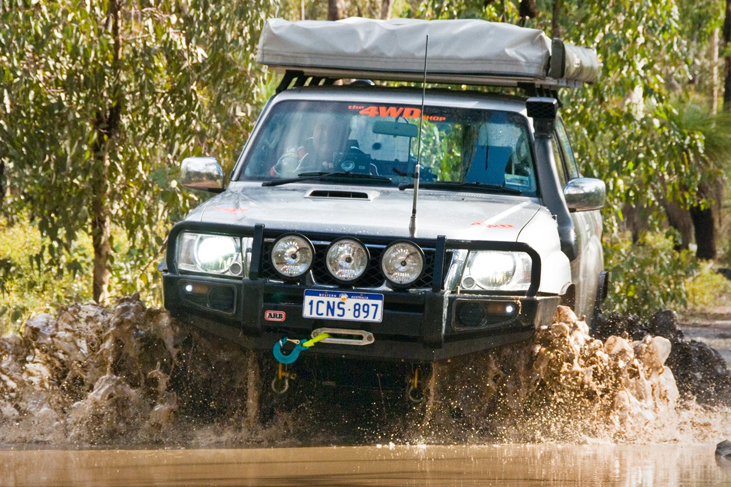 2005-Nissan-Patrol-GU-offroad.jpg