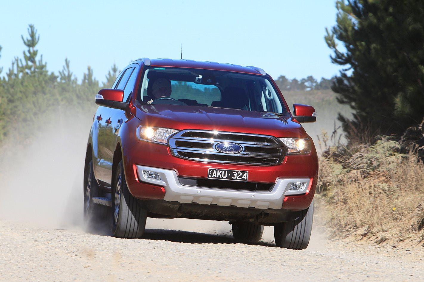 2017 Ford Everest Trend drive.jpg