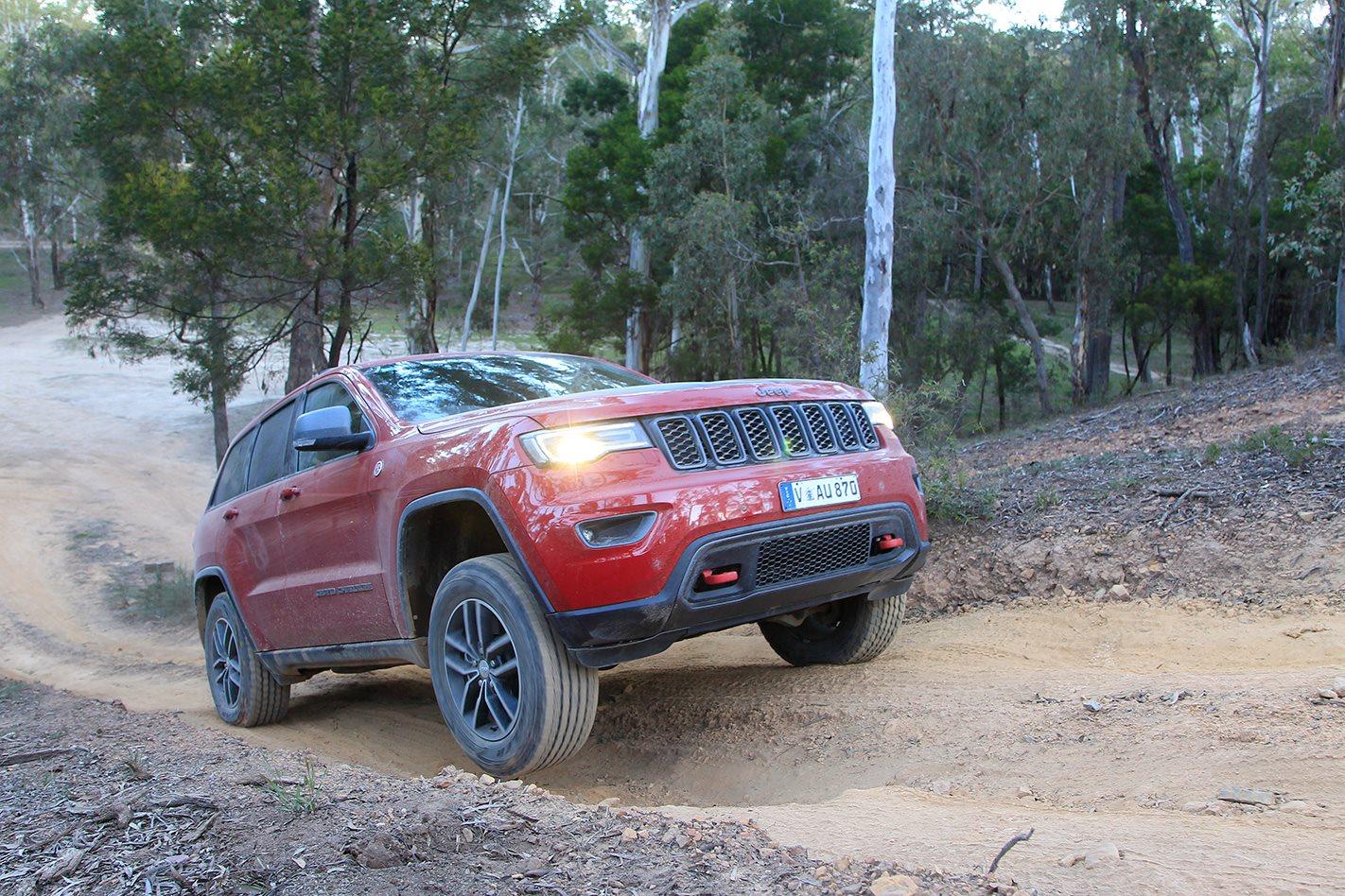 2017 Jeep Grand Cherokee Trailhawk hillclimb.jpg
