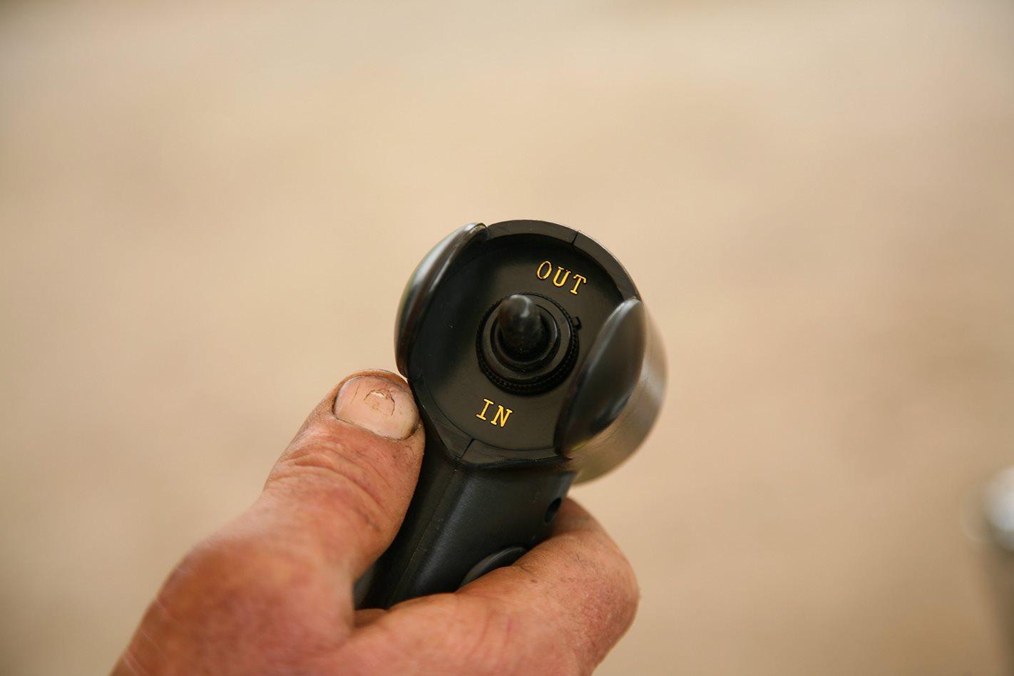 Runva EWX 9500-Q hand remote