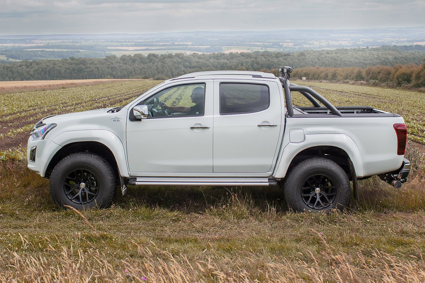 Isuzu D Max Arctic Truck AT35 side
