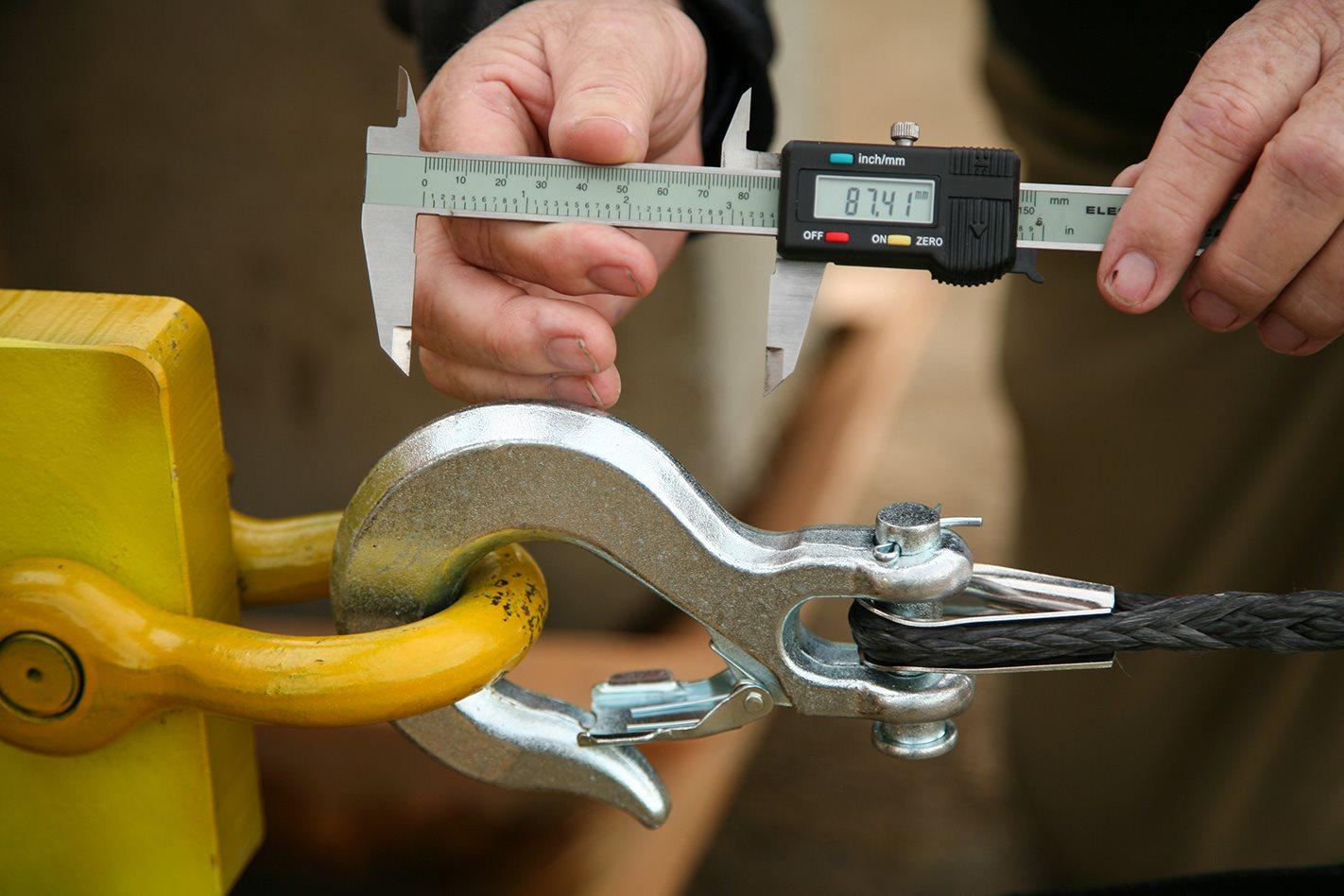 Open Hook used in 12 volt winch test