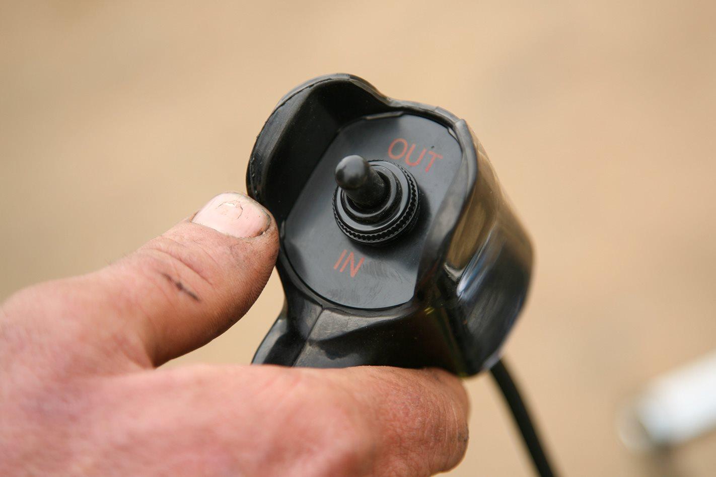 Thunder 9500 winch wireless remote