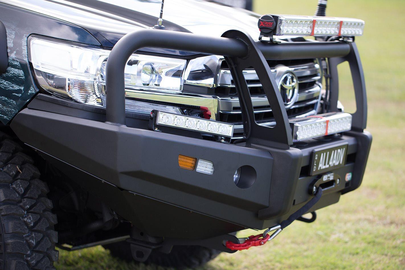 EFS Recon R13 winch & bullbar