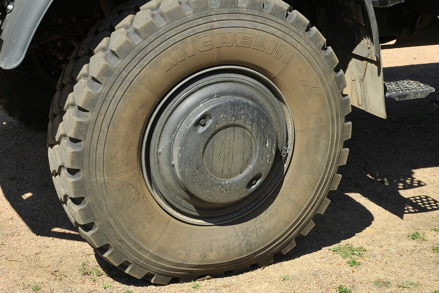 Mercedes Benz Unimog U5000 wheel