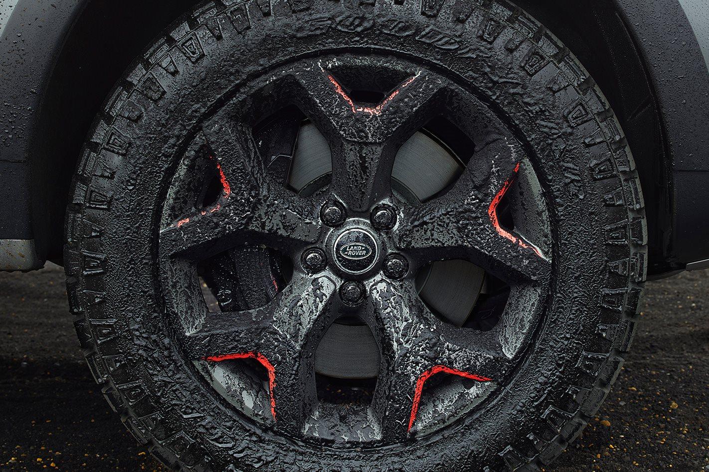 Land-Rover-Discovery-SVX-wheel.jpg