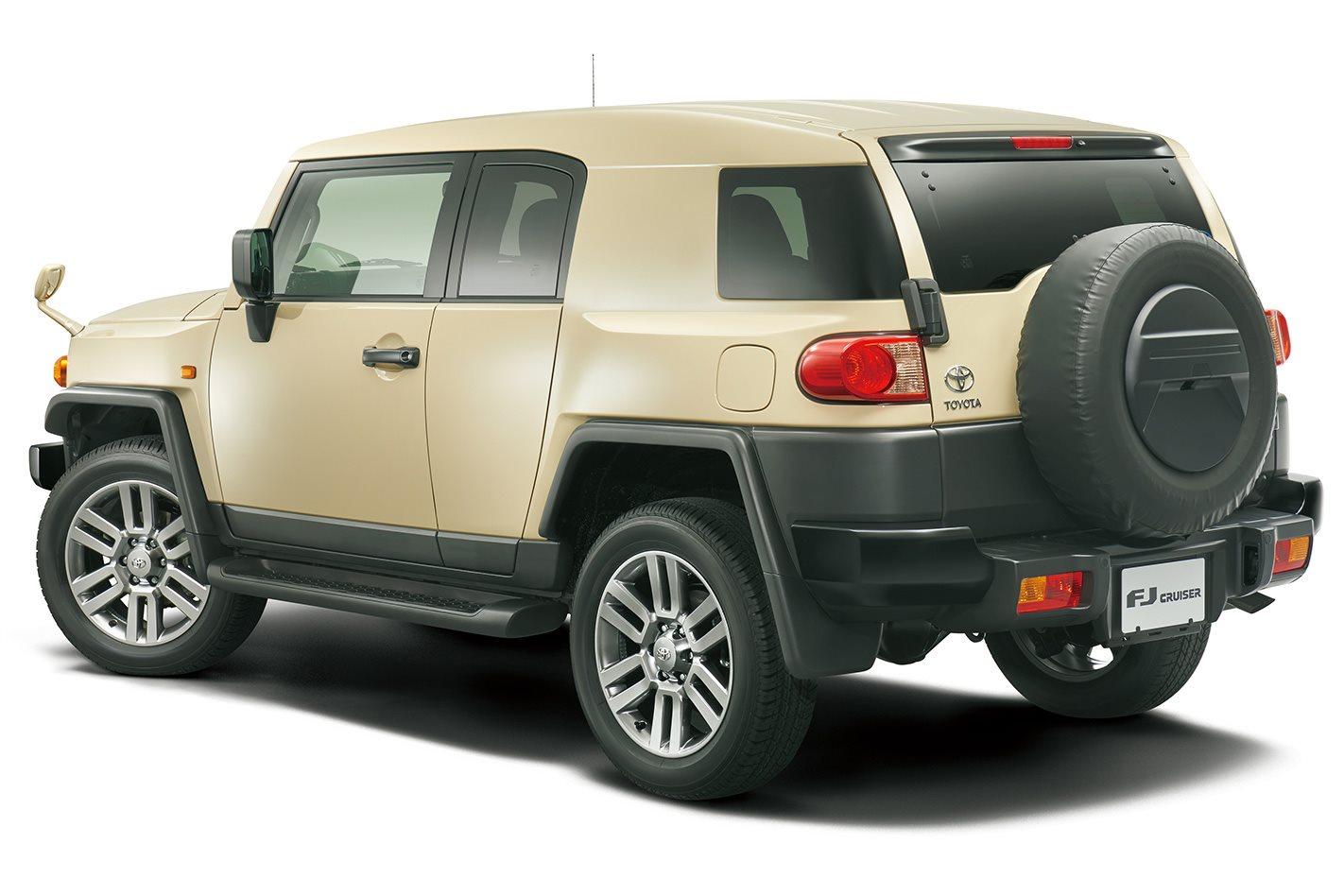 FJ-Cruiser-Final-Edition-rear.jpg