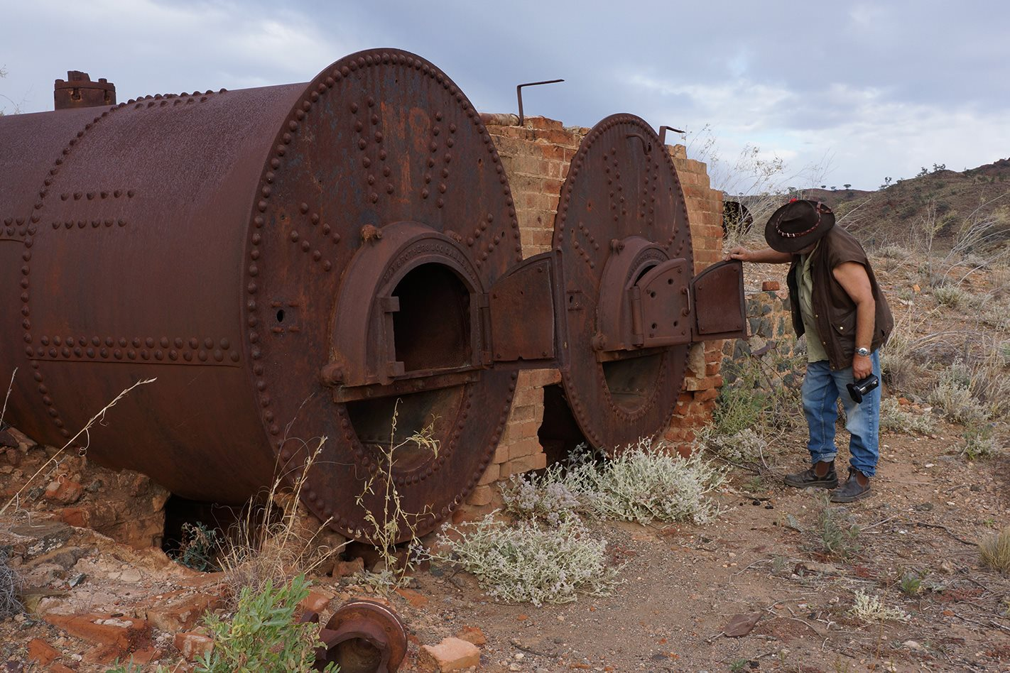 Yudnamutana-boilers,-Flinders-Ranges.jpg