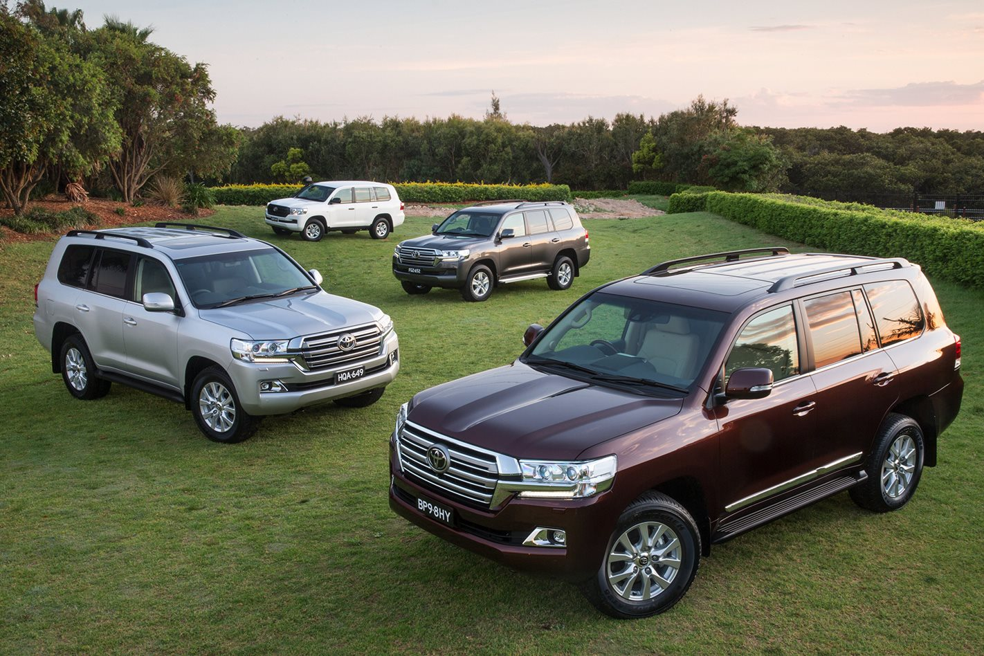 Kelebihan Kekurangan Toyota Land Cruiser 100 Tangguh