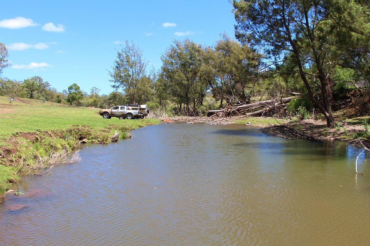 Janowen Hills Camping & 4WD Park QLD Lake