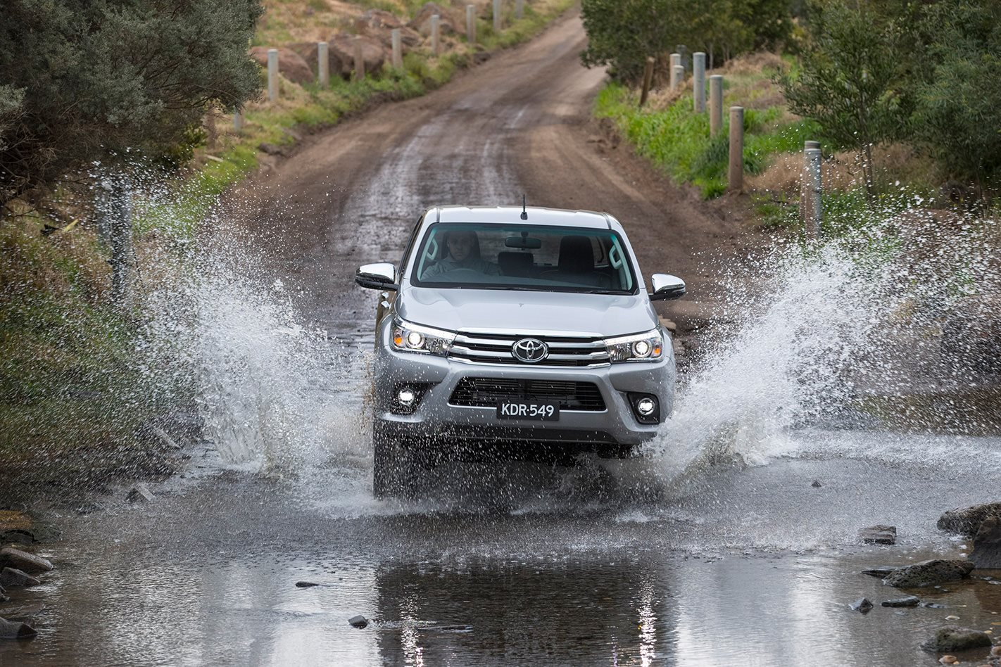 2017-Toyota-Hilux-offroad.jpg