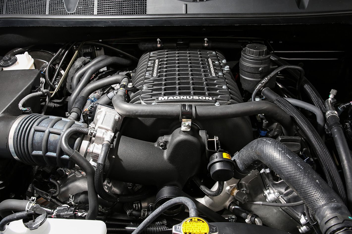 Custom-Toyota-Tundra-engine.jpg