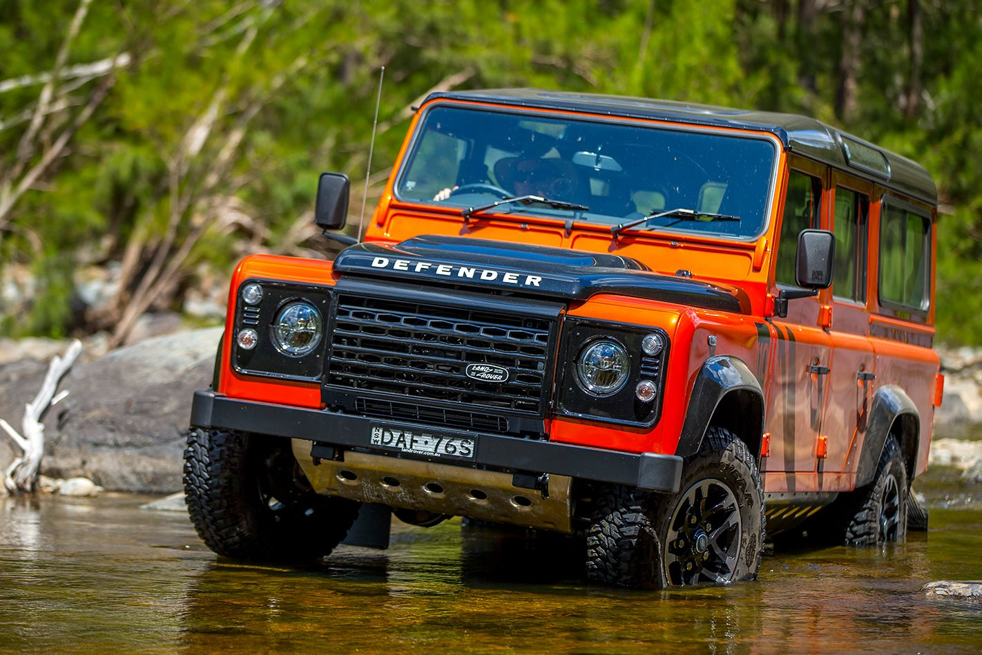 land rover defender will return 4x4 australia. Black Bedroom Furniture Sets. Home Design Ideas