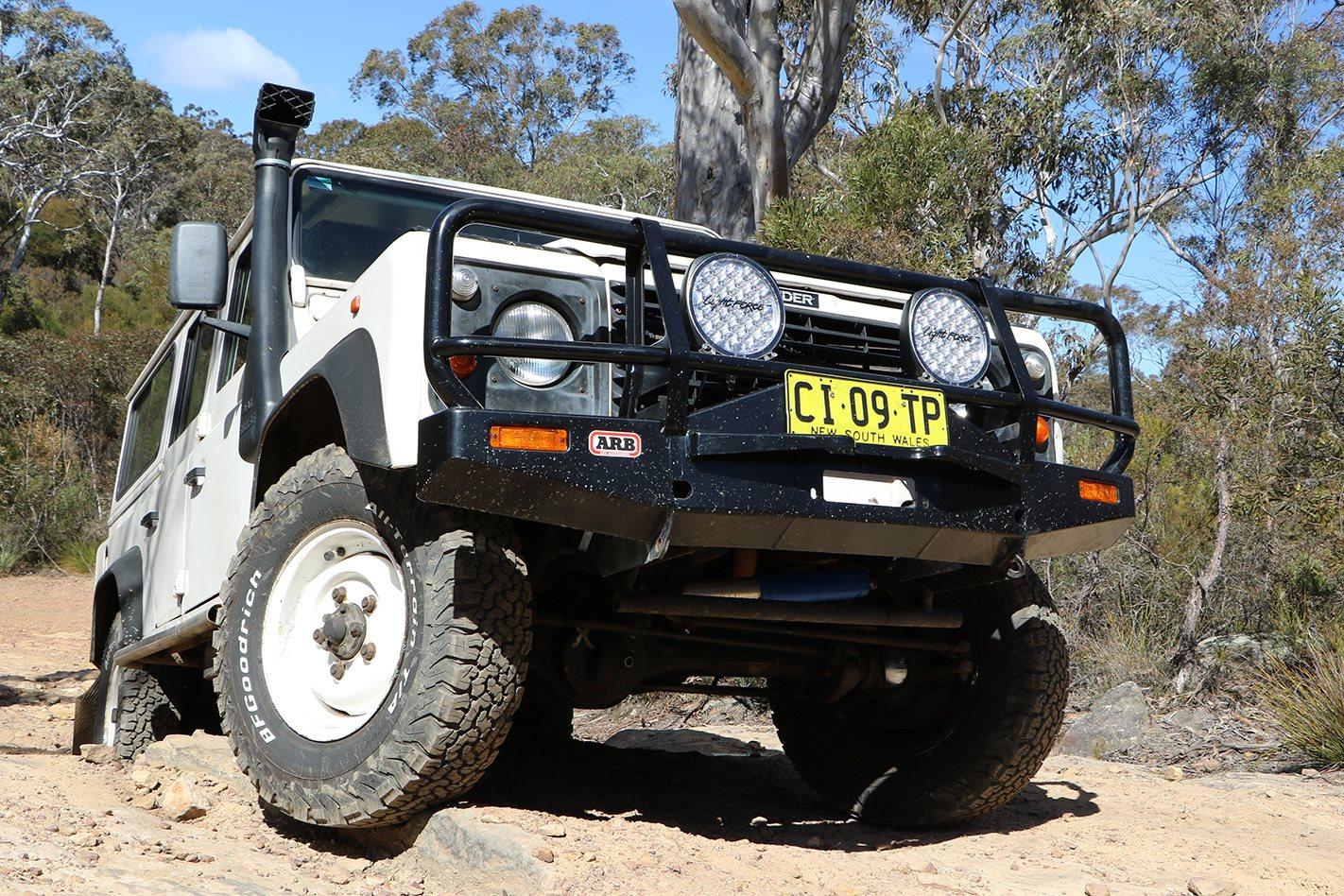 Land-Rover-Defender-300TDI-custom.jpg