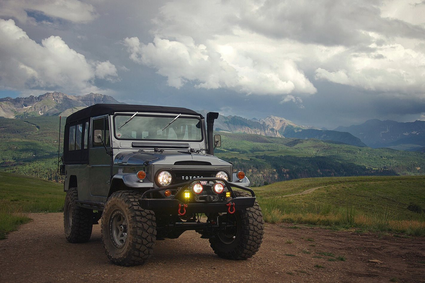 CUSTOM-TOYOTA-LAND-CRUISER-FJ45.jpg