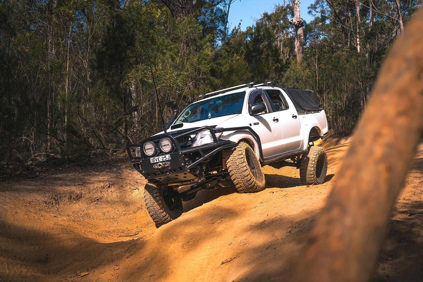 2015 Toyota Hilux downhill.jpg