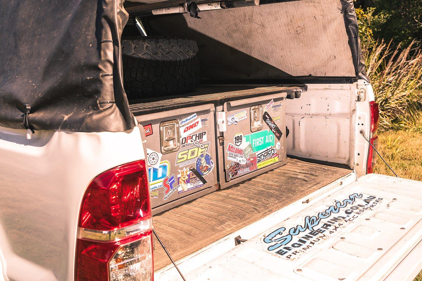 2015 Toyota Hilux tray.jpg