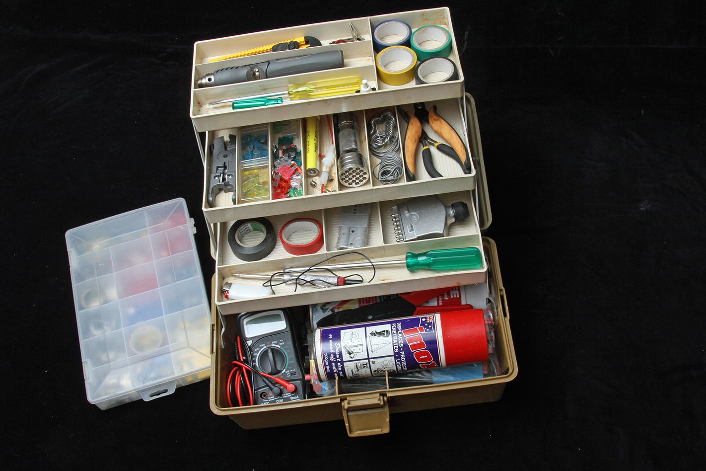 Stuarts Electrical emergency kit