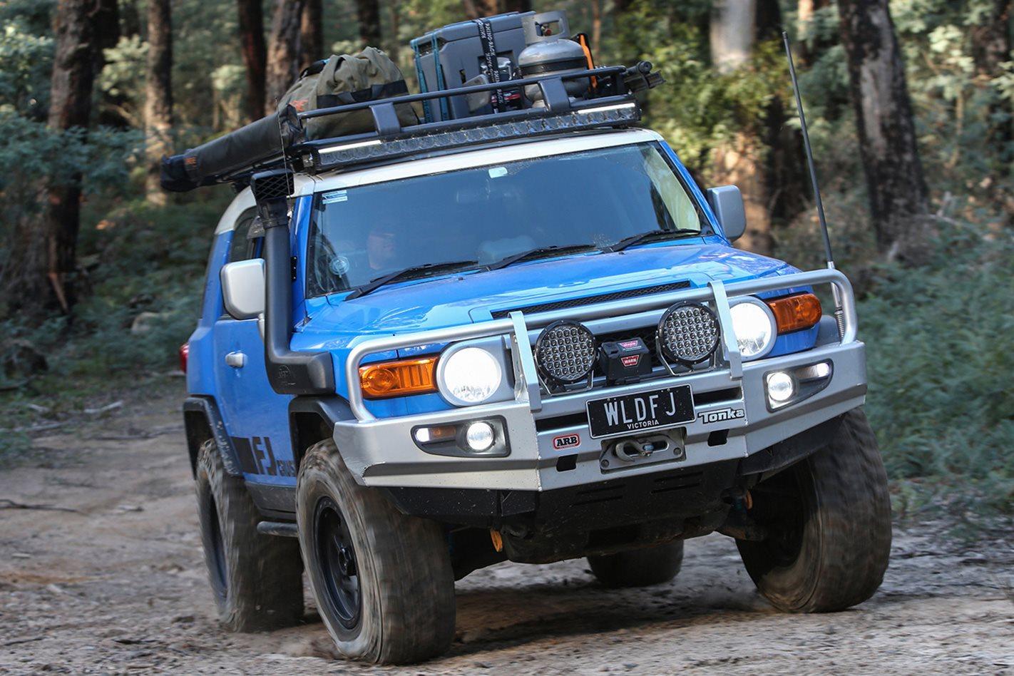 2011 Toyota FJ vs 2013 Jeep Wrangler Rubicon vs 2013 Land