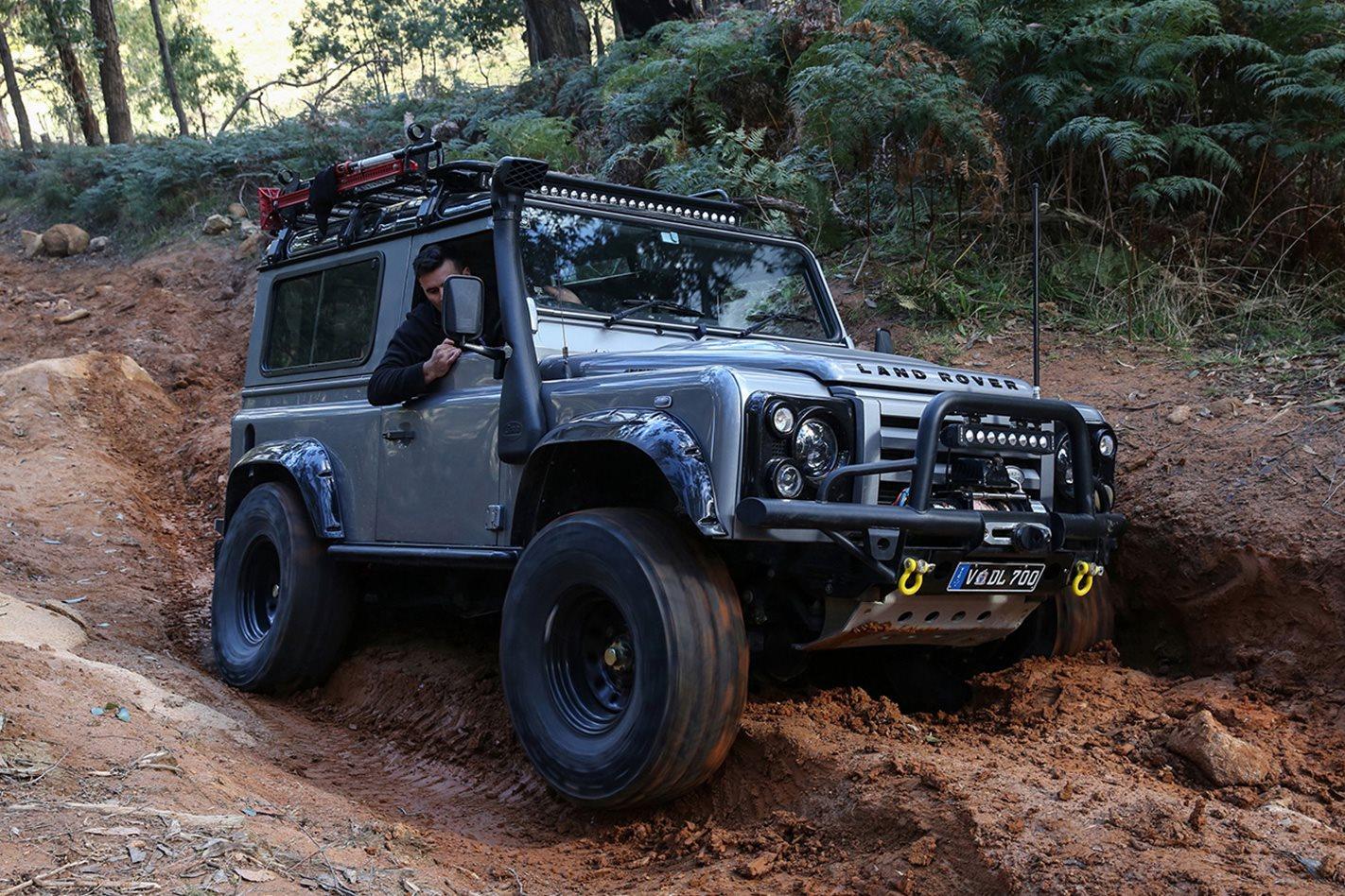 2013-Land-Rover-Defender-90-Limtied-Edition-front.jpg