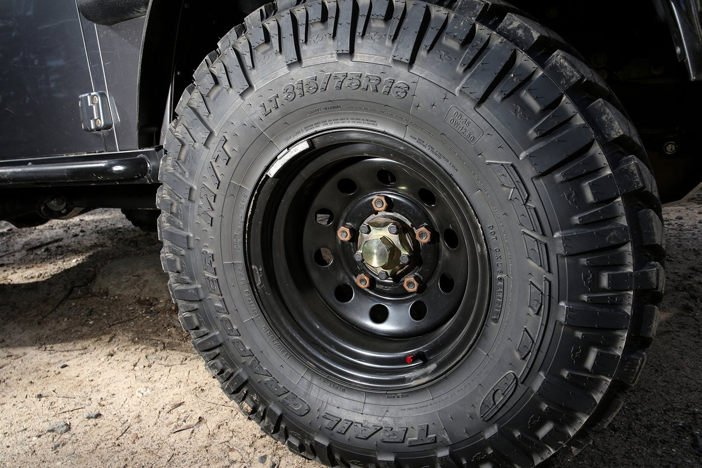 35-inch-Nitto-Trail-Grapplers-MTs.jpg