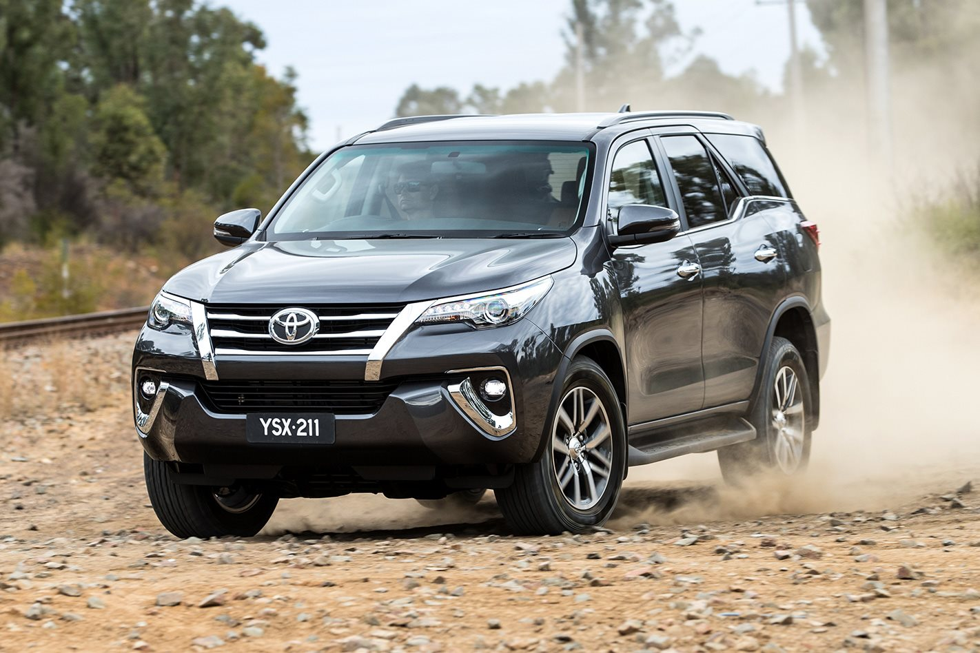 Toyota-Fortuner-front.jpg