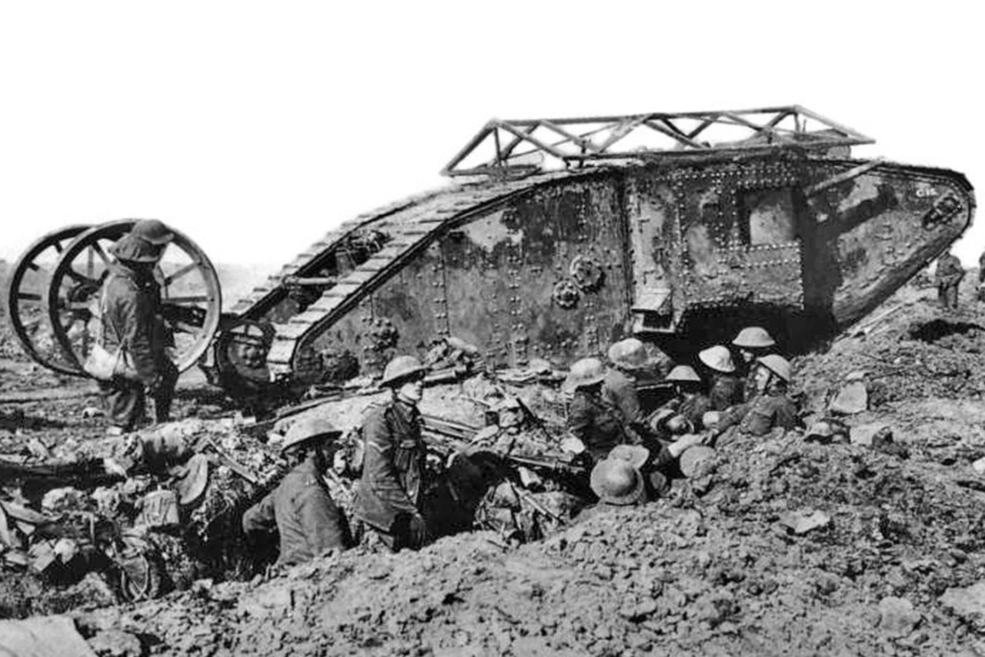 British-Mark-1-tank-engine-in-battle.jpg