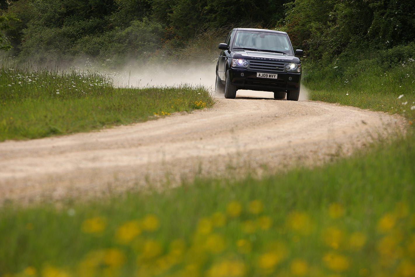 Armoured Range Rover offroading.jpg