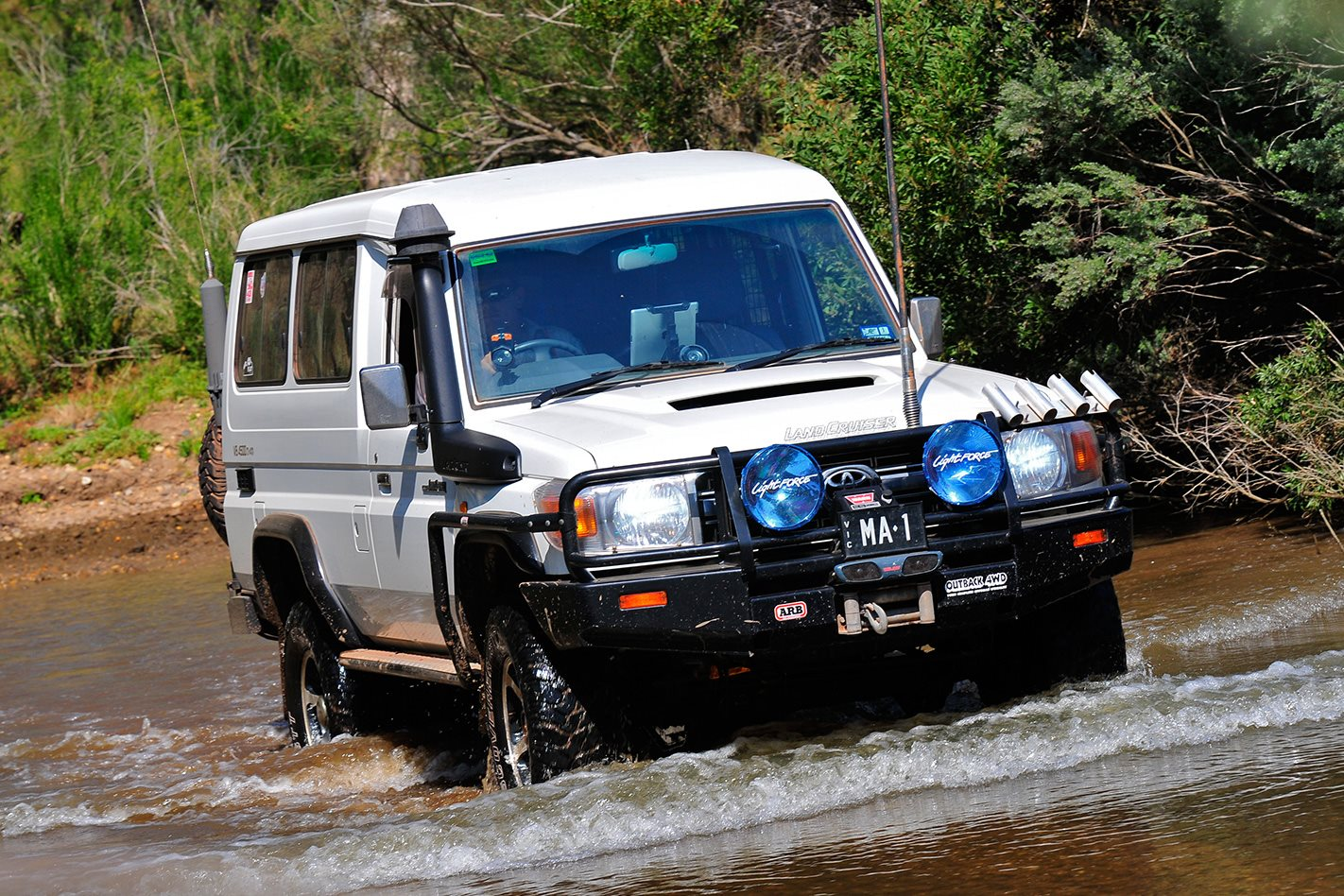 Test Toyota Land Cruiser 2017 >> 2008 Toyota Troop Carrier custom review