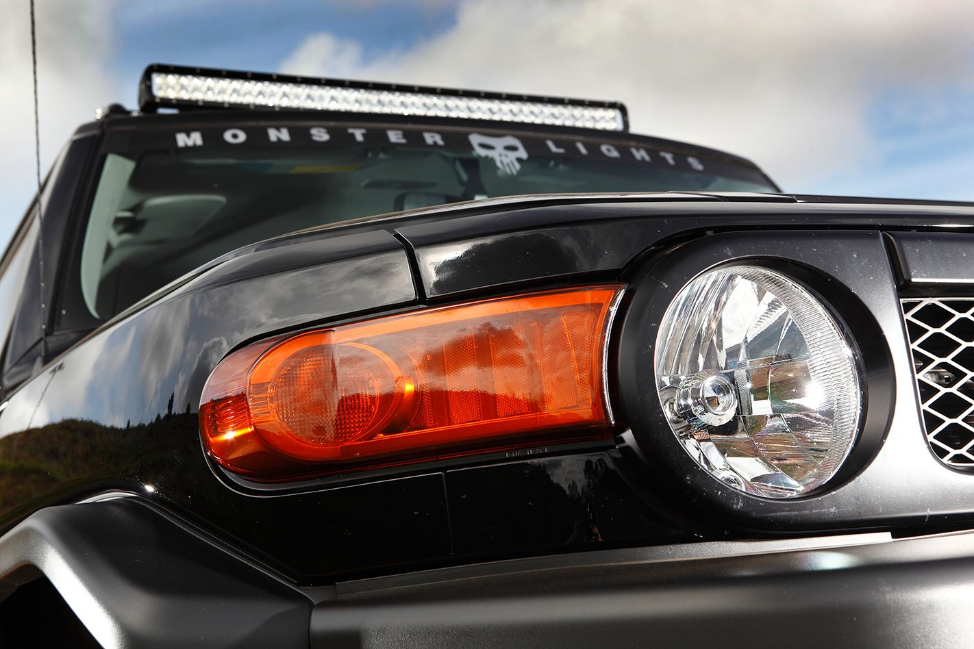 Toyota FJ Cruiser custom headlights.jpg