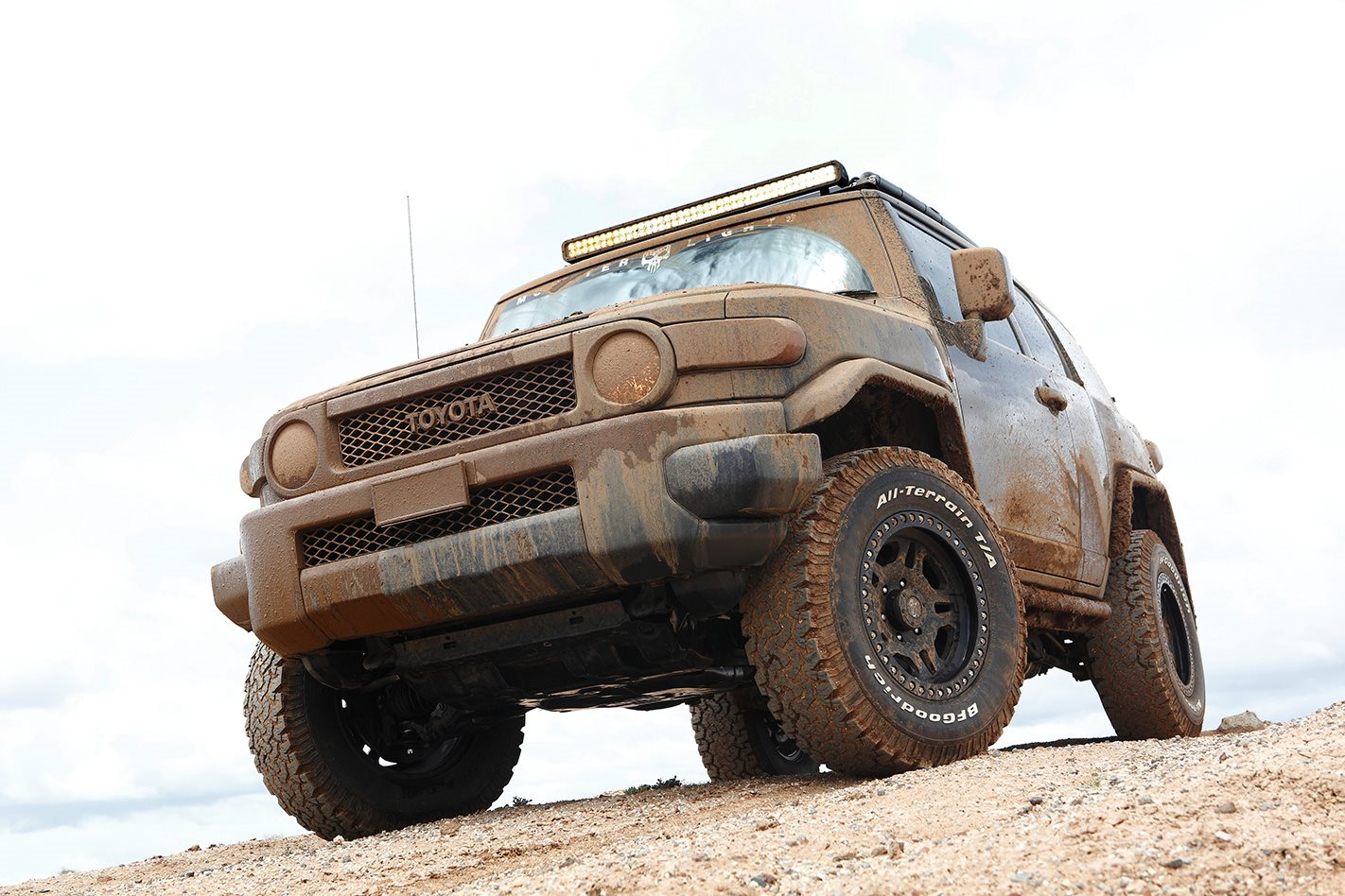 Toyota FJ Cruiser custom muddy.jpg