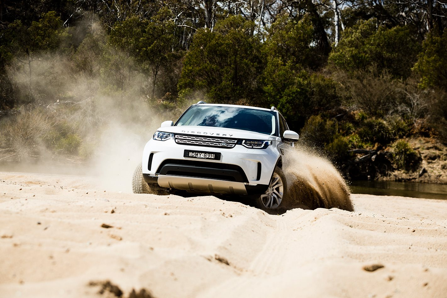 2017 Land Rover Discovery offroading.jpg