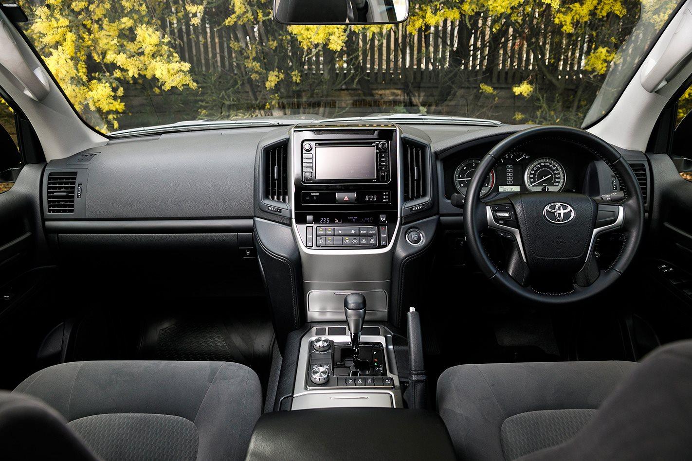 2017 Toyota LandCruiser 200 Series cabin.jpg